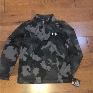 UNDER ARMOUR PULLOVER NWT